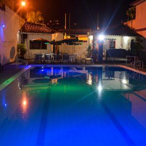hotel-joohn-tolima-de-noche
